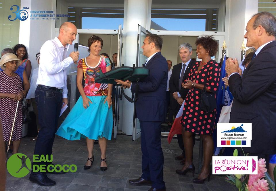 Eau de Coco à Madagascar reçoit de nouveaux instruments venant du Conservatoire à Rayonnement Régional de la Réunion