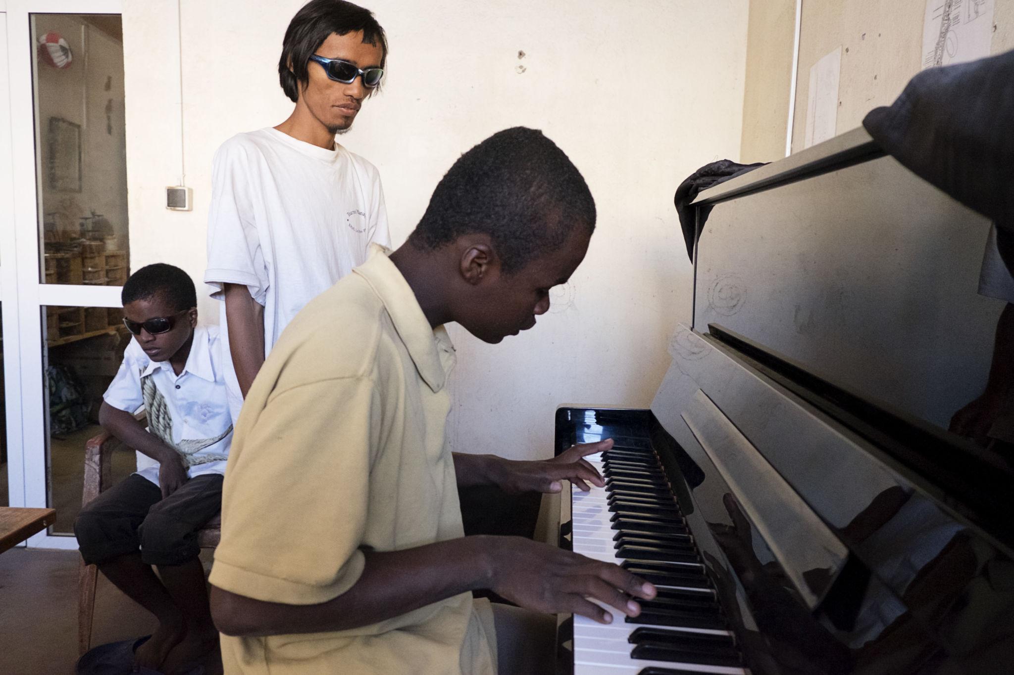 CAM-Piano_001
