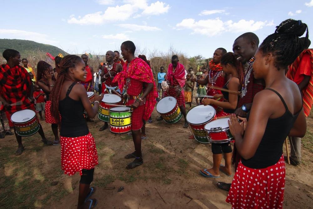 Stéphanie et la Bloco Malagasy: une histoire d'amour rythmée
