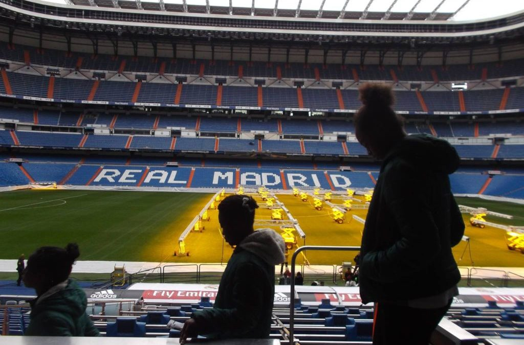 L'équipe de l'École de Sport d'Eau de Coco est accueillie par la Fondation Real Madrid dans la grande capitale européenne du football