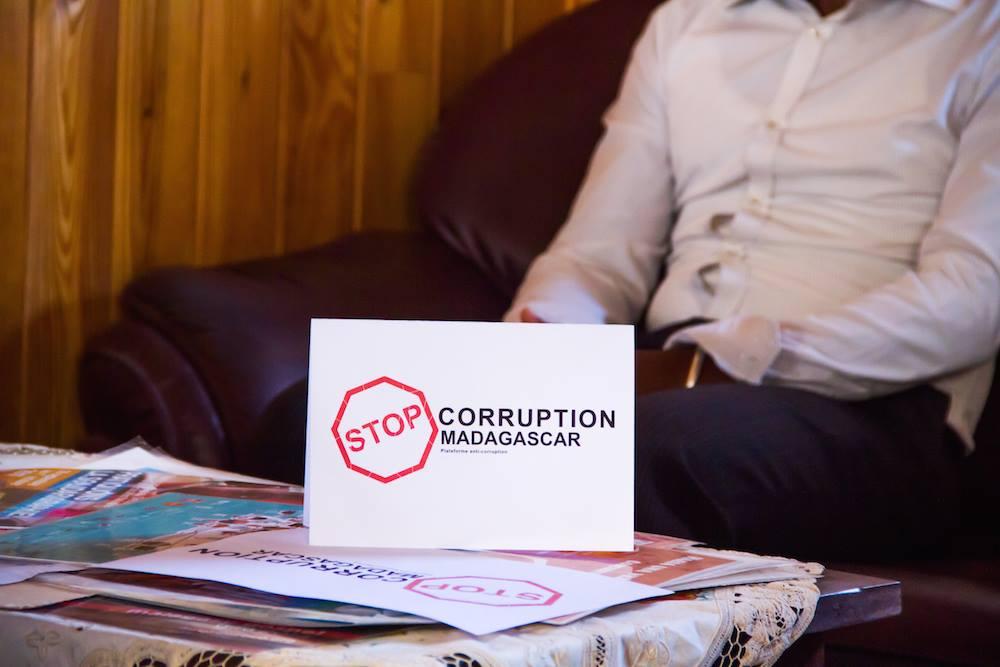 La corruption est un des facteurs qui bloque le développement.