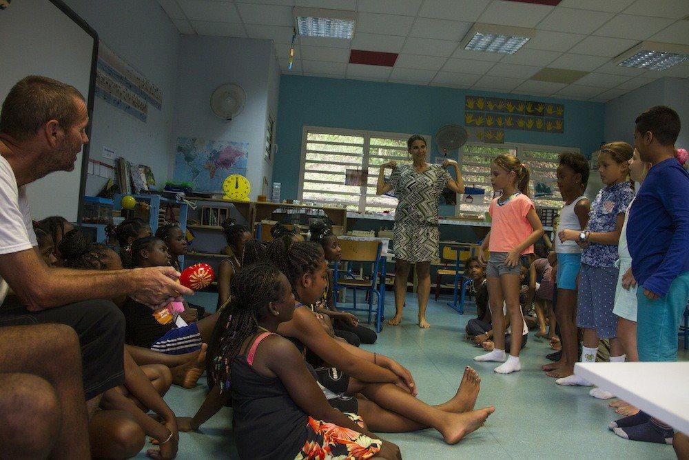 Visite des écoles jumelées à la Réunion par la Malagasy Gospel