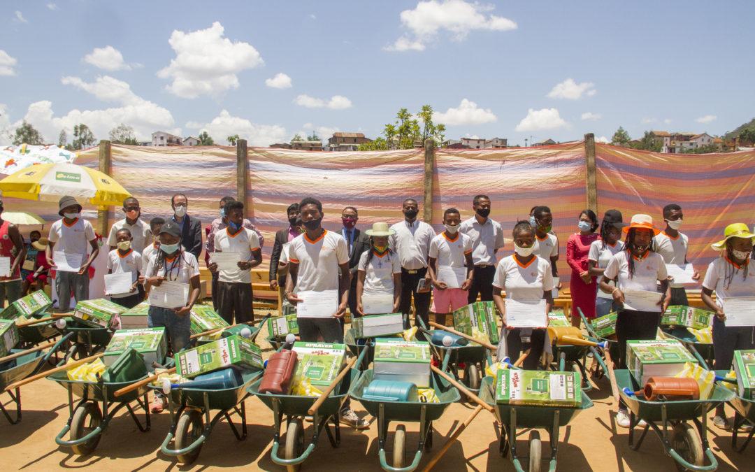 La 13ème promotion «Agriculture et élevage responsable» ont reçu leur kit de fin de formation